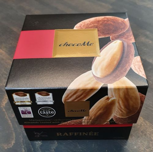 Pralinky - Mandle obalené v hořké čokoládě s kakaovým práškem a divokým pepřem Voatsiperife