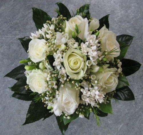 Bílá romantika z růží